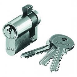 Passender DIN-Profilhalbzylinder für Schlüssel-Schalter - AP-Feuchtraum - passend zur Serie Blue Electric IP 44 - KOPP Mit 3 Schlüsseln - (26,65 Euro)